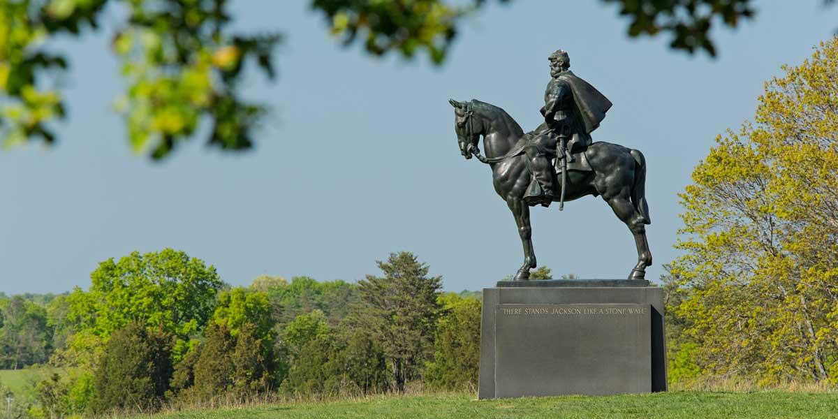Arcadia-Run-Neighborhood-Park-Statue