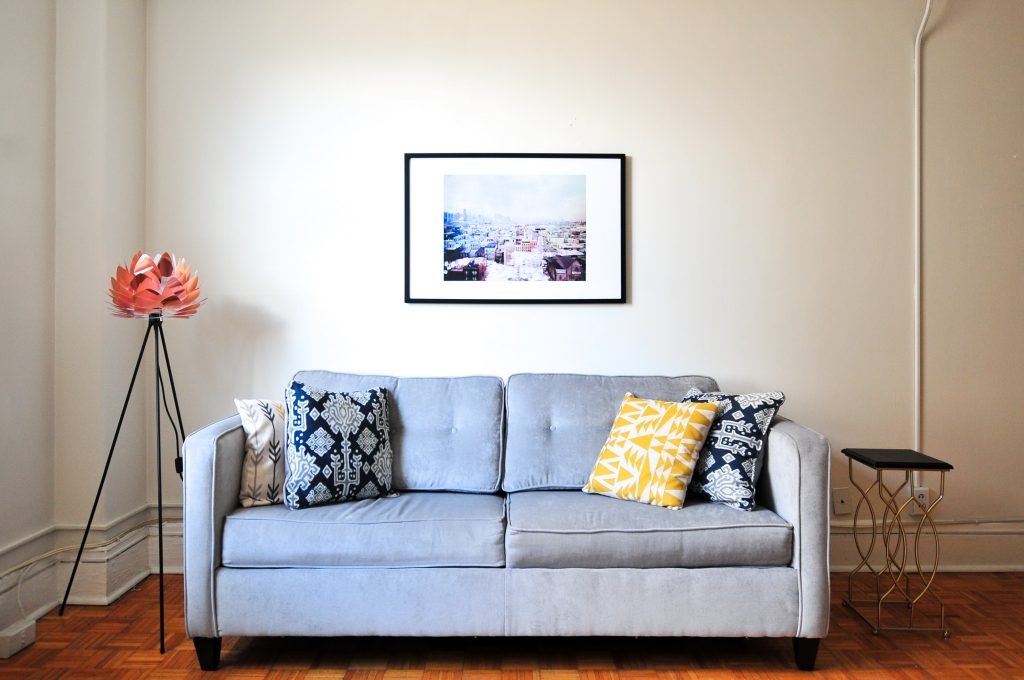 10 Amazing Ways To Transform Your Apartment Walls
